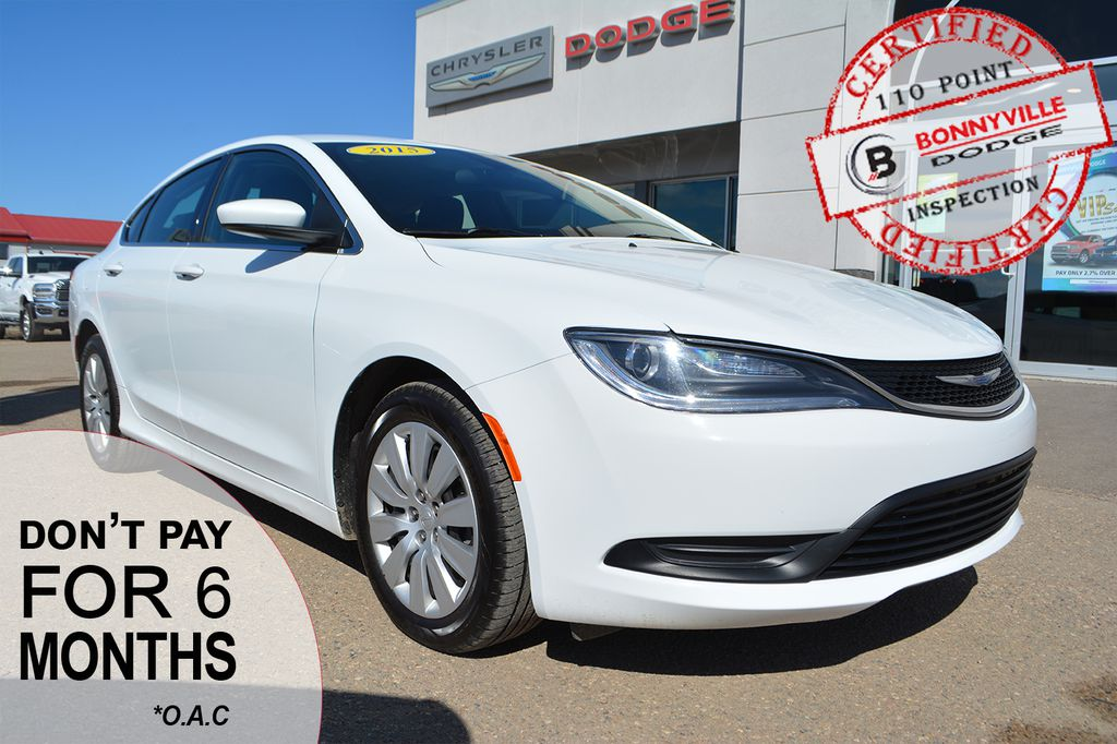 Pre-Owned 2015 Chrysler 200 LX- GREAT COMMUTER CAR, UNDER 60,000 KMS