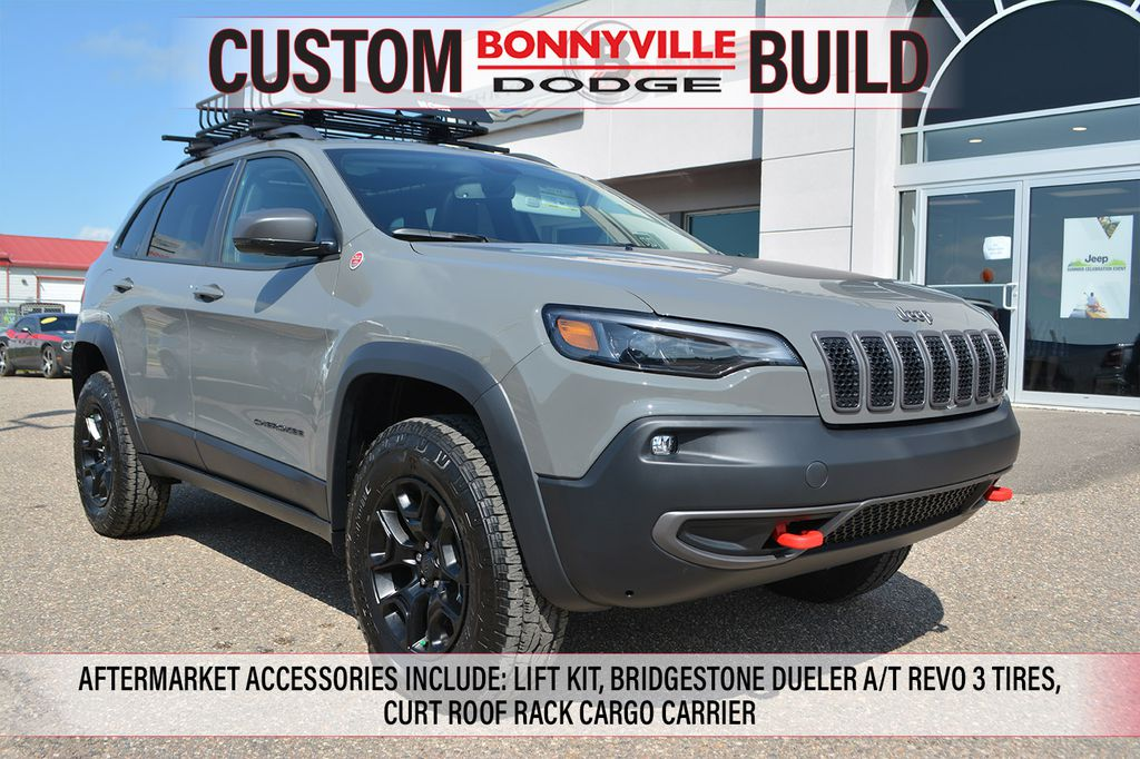 New 2019 Jeep Cherokee TRAILHAWK- LIFT KIT, BRIDGESTONE DUELER A/T REVO 3 TIRES, CURT ROOF RACK CARGO CARRIER