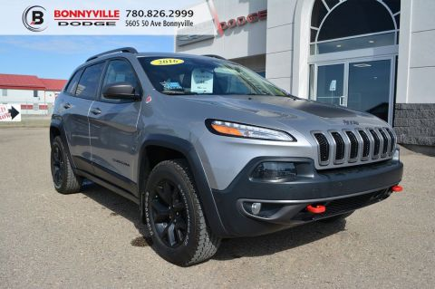 2016 Jeep Cherokee TRAILHAWK- Leather, Navigation, Backup Camera, Remote Start